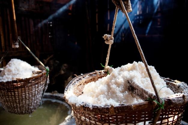 Korb des salzes in thailand.