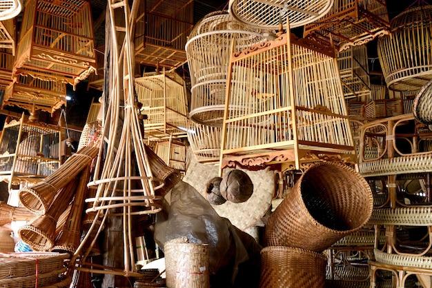 Korbwaren aus bambus in thailand natürlich handgefertigt