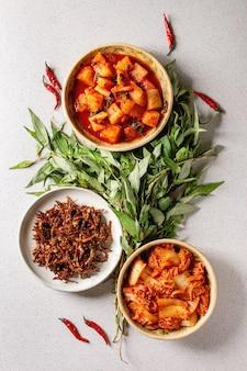 Koreanische vorspeise kimchi