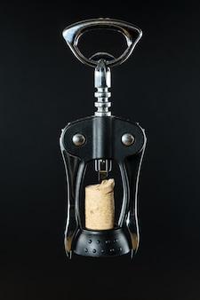 Korkenzieher mit extrahiertem korken