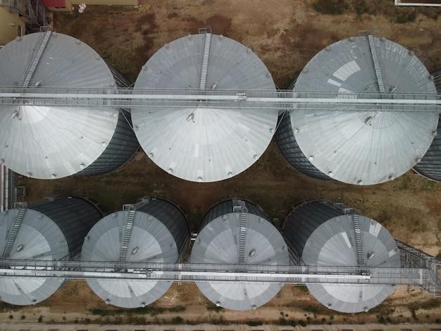 Kornelevator aus metall kornelevator im landwirtschaftlichen bereich landwirtschaft lagerung für erntegetreide