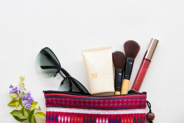 Kosmetik make-up der lifestyle-frau