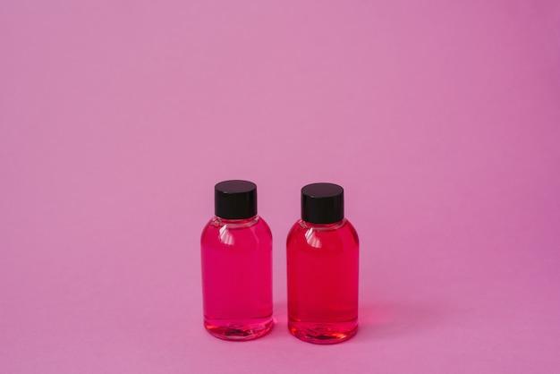 Kosmetikflasche für kosmetikprodukte zur pflege von haut oder haaren