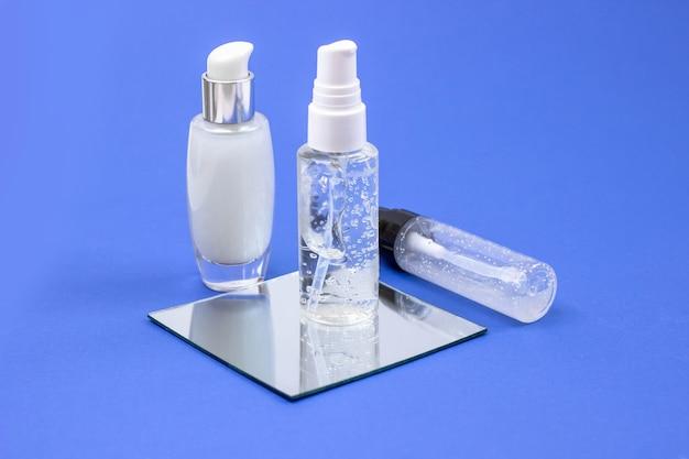 Kosmetikflaschen mit serum