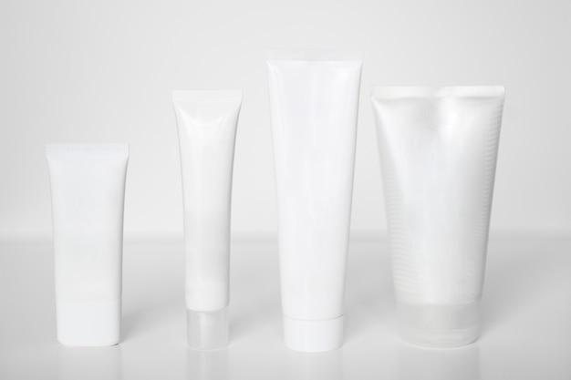 Kosmetikflaschenset für flüssigkeit, creme, gel, lotion.