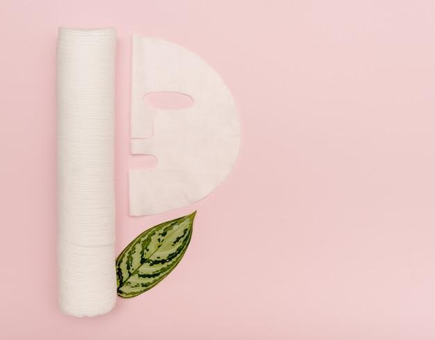 Kosmetikmaske und wattepads