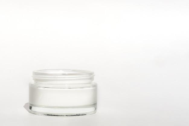 Kosmetische produkte für die gesichtspflege.