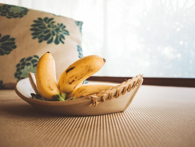 Kostenlose bananenfrüchte im hotel.