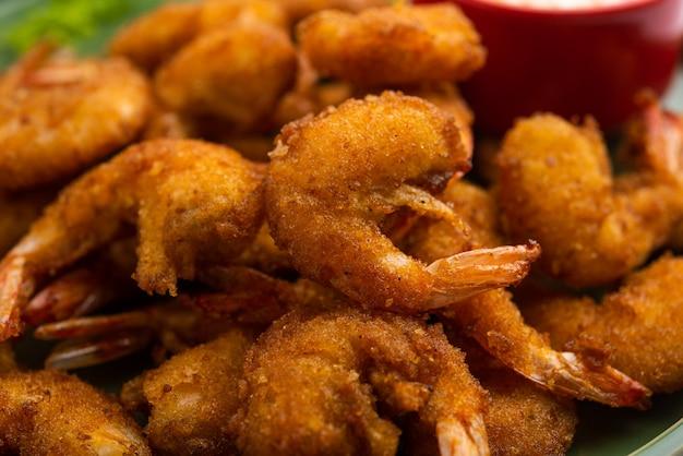 Krabbenkrapfen oder garnelen bajji oder jheenga pakodaãƒâƒã'â'ãƒâ'ã'â oder kolambi oder zinga pakora, indische snacks