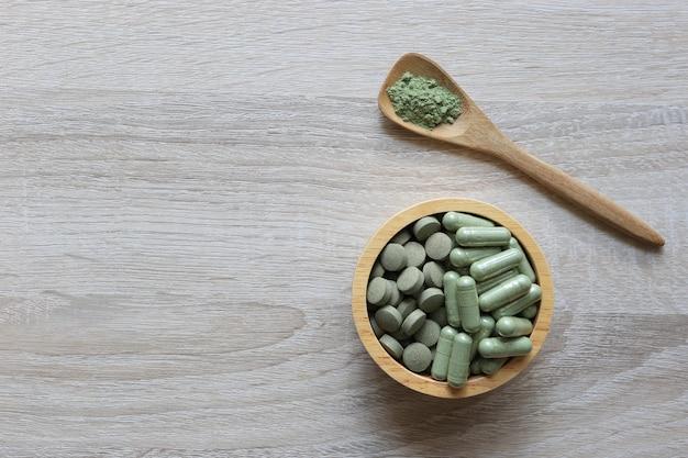 Kräuterextrakt medizin tabletten pillen und kapseln oder fa thalai chon