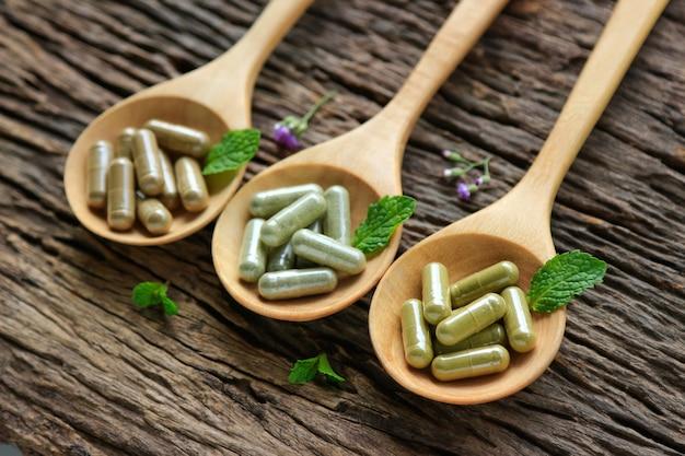 Kräutermedizin in kapseln