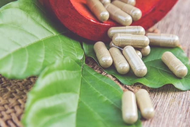 Kräutermedizin mit kraut
