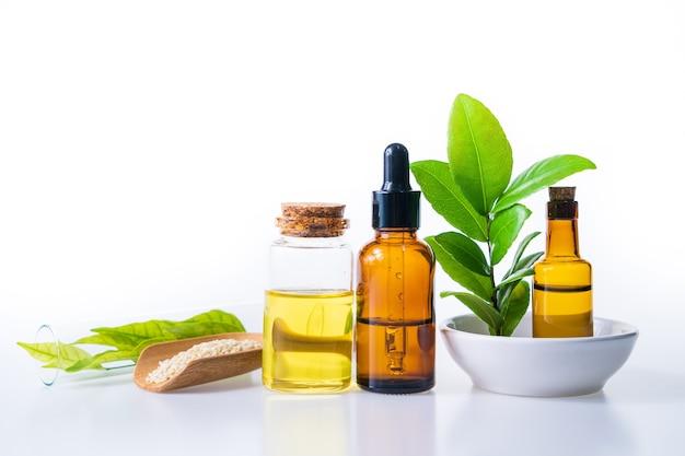 Kräuteröl aus natürlichem für die aromatherapie, alternative medizin für gesundheit und wellness