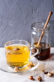 Kräutertee mit honig