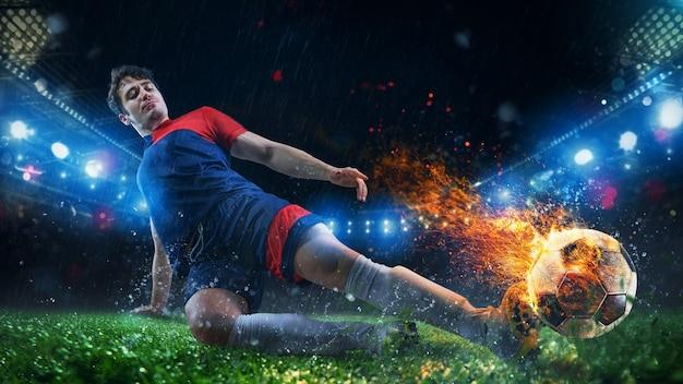 Kraftvoller kick eines fußballspielers mit feurigem ball