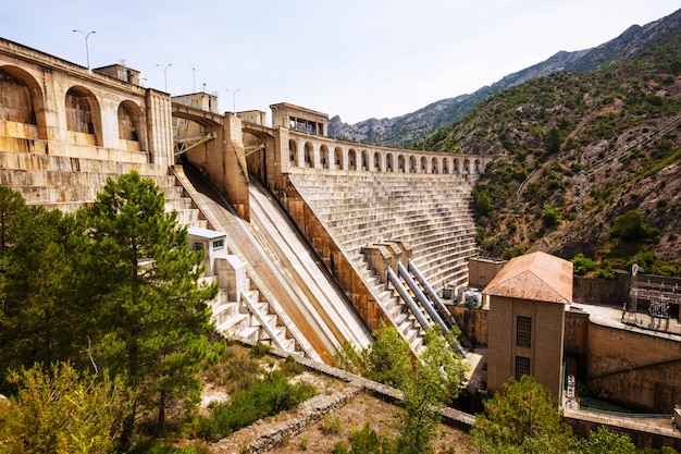 Kraftwerk am segre river