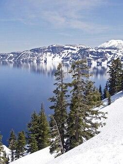 Krater usa winter lake oregon tiefe landschaft