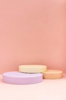 Kreative anordnung der minimalistischen bühne