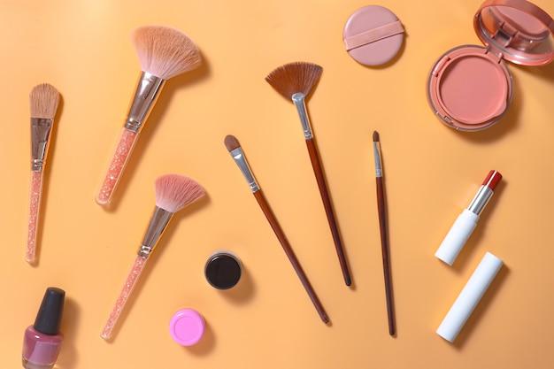 Kreative flache zusammensetzung des make-up-sets