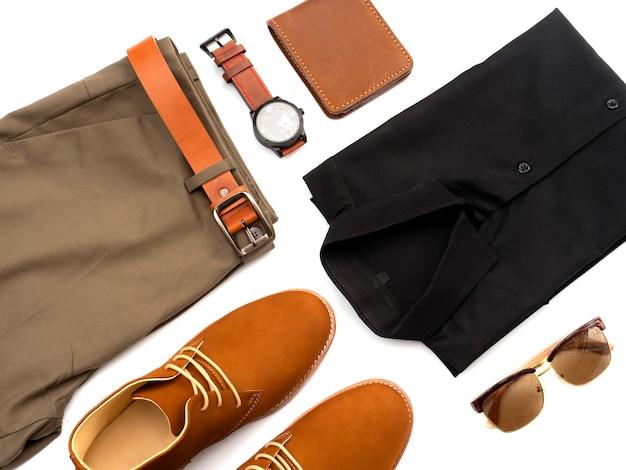 Kreative mode für die freizeitbekleidung der männer stellte auf weiß ein. ansicht von oben
