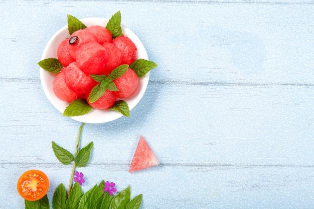 Kreative wassermelone flach zu legen