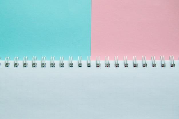 Kreative wohnung legen, draufsicht schreibtisch, arbeitsbereich mit leerzeichen für text, notizblock