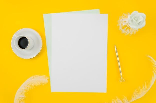 Kreatives flaches lagepapiermodell