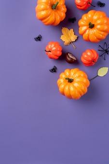 Kreatives halloween-arrangement von oben