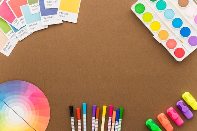 Kreatives kunstkonzept mit raum