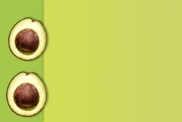 Kreatives layout aus avocado