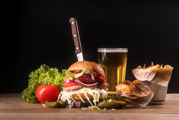 Kreatives sortiment mit hamburgermenü