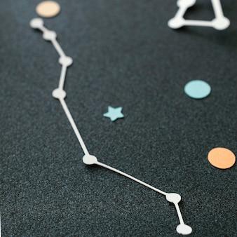 Kreatives sortiment von papierplaneten