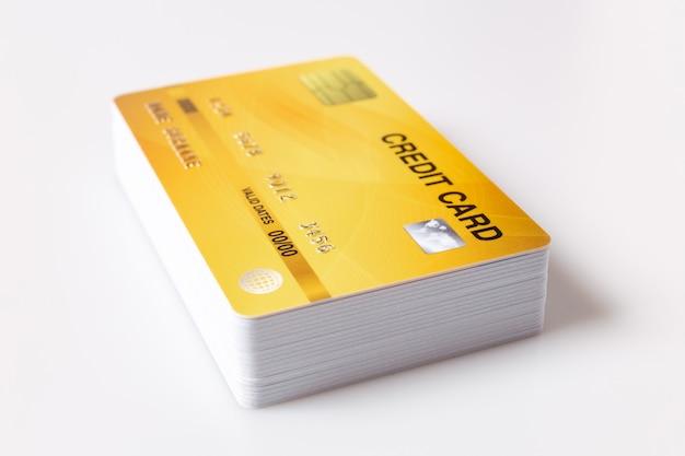 Kreditkartenmodell auf weiß.