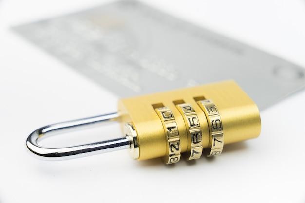 Kreditkartensperre online-zahlungssicherheitsvertrauen