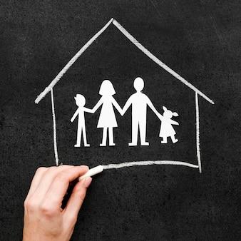 Kreidezeichnung mit familienkonzept