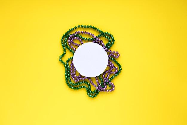Kreis auf perlenketten