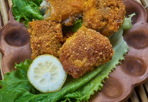 Kreolischer gebratener fisch, cajun-essen hautnah