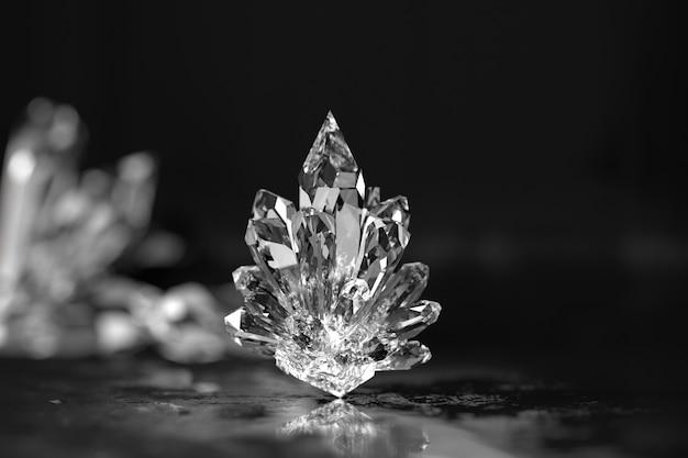 Kristalle schließen mit weichzeichnerhintergrund 3d rendern