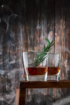 Kristallgläser mit whisky