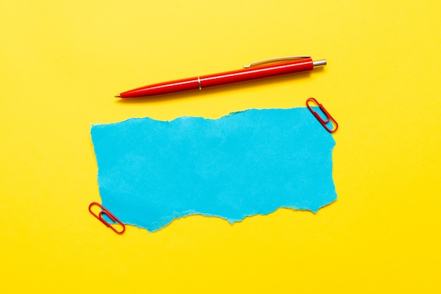 Kritisches denken, hinweise finden, fragen beantworten, daten sammeln, logische ideen sammeln, informationen sammeln, wortspiele, bürobedarf notizbücher stift