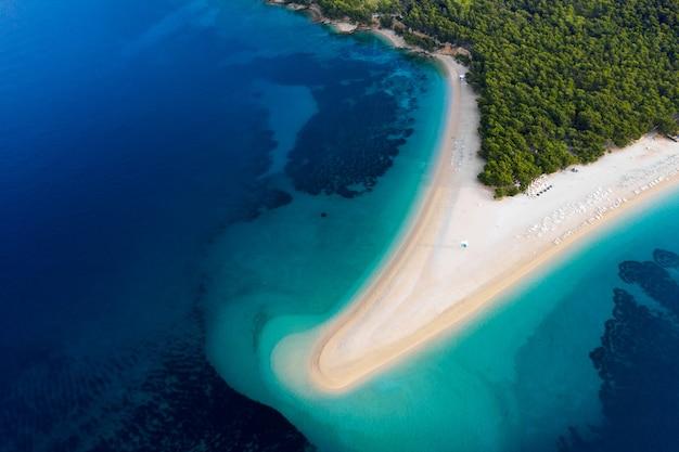 Kroatien hvar insel luftaufnahme am strand von zlatni rat