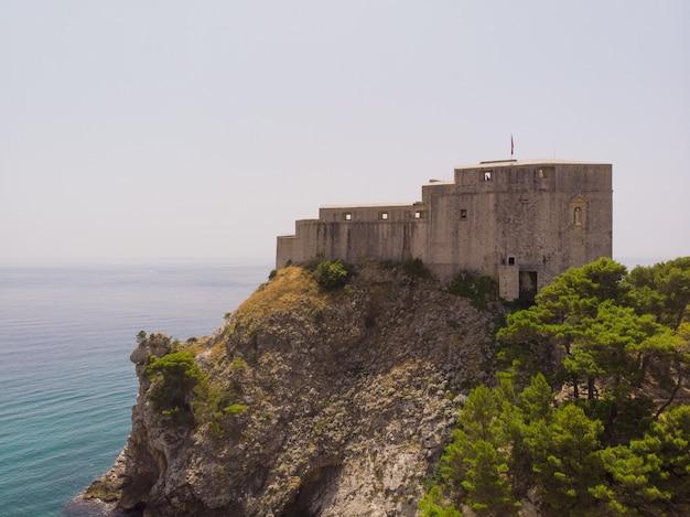 Kroatien süddalmatien dubrovnik blick auf den hafen von kings landing