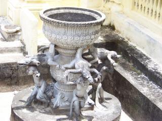 Krokodile, skulptur