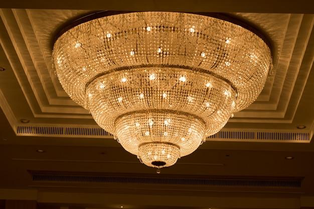 Kronleuchter, schönes licht, luxuslicht