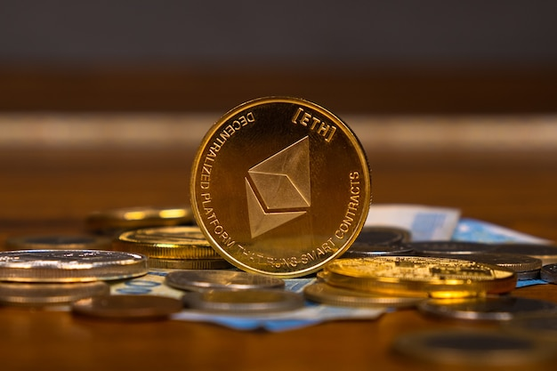 Kryptowährung ethereum nahaufnahme, goldmünze.