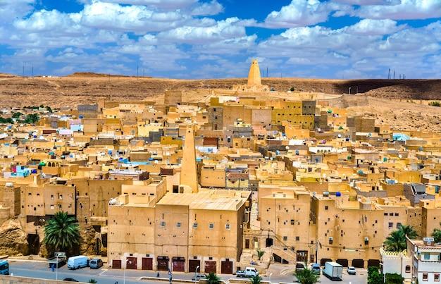 Ksar bounoura, eine alte berberstadt im m'zab-tal in algerien