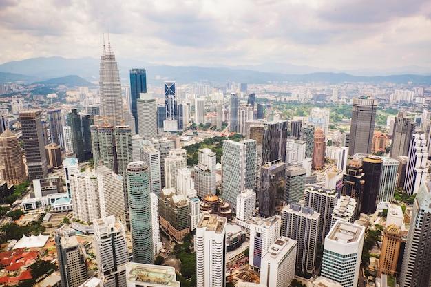 Kuala lumpur-stadtlandschaftsansicht des draufsichtstadtbilds der skyline bei kuala lumpur malaysia asian