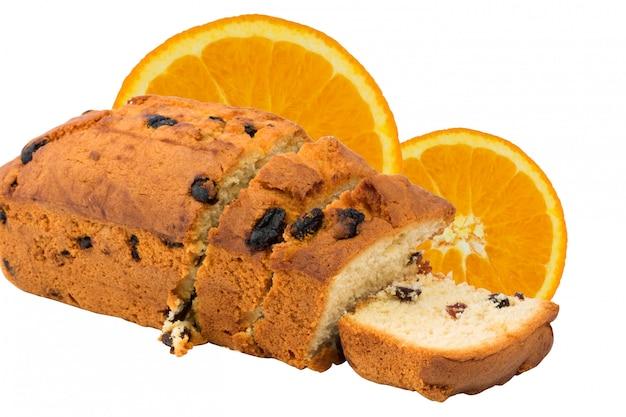 Kuchen, der die orange zimtzitrusfrucht der selbst gemachten rosinenfrucht lokalisiert backt