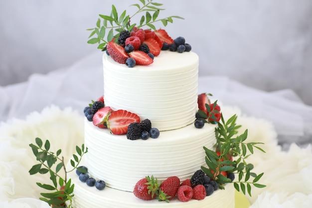 Kuchen mit süßwarengeschmack für einen urlaub und ein normales frühstück