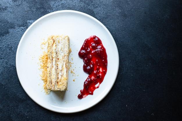 Kuchen napoleon blätterteig millefeuille und buttercreme dessert süßes stück